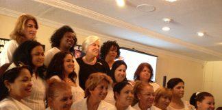 Berta Soler con las Damas de Blanco en el exilio.