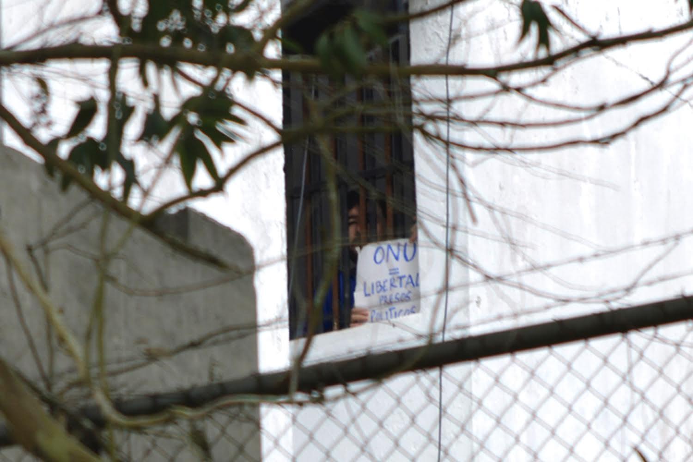 Denuncian que coronel en Ramo Verde impone castigos a Daniel Ceballos