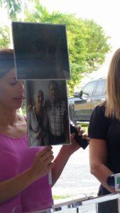 Periodista y actriz Ivonne Gonzalez leyendo el testimonio de Chepa Gonzalez (Foto VAF)