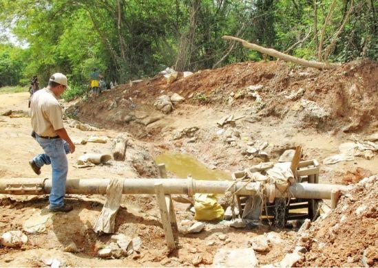 Los mineros temen quedarse sin fuentes de trabajo Foto Archivo