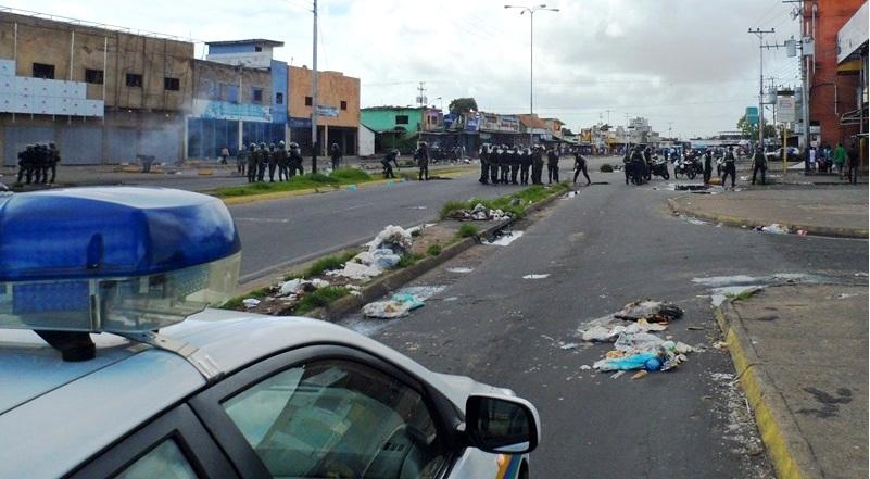 Policía, Sebin y Guardia Nacional no hicieron nada para contener a los motorizados que llegaron amenazando a manifestantes